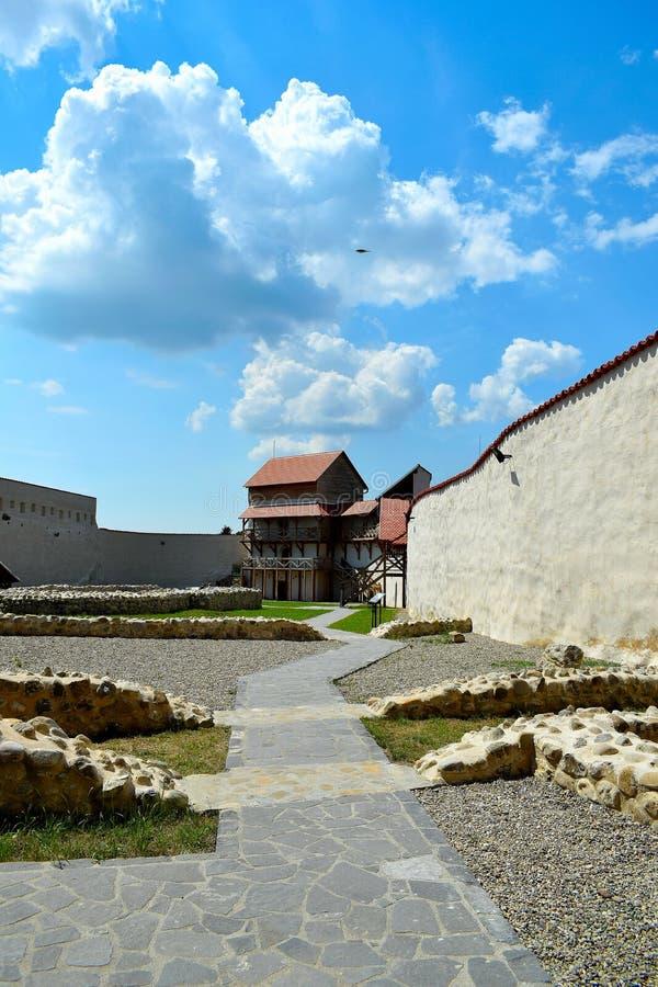 Το φρούριο Feldioara χτίστηκε πριν από 900 χρόνια από τους τευτονικούς ιππότες στο χωριό Feldioara, Marienburg, Ρουμανία στοκ εικόνες με δικαίωμα ελεύθερης χρήσης
