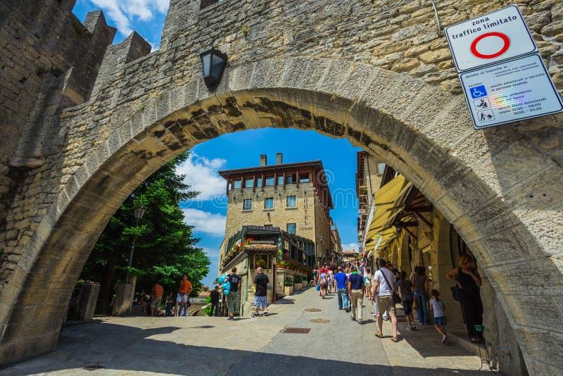 Το φρούριο Guaita είναι ο παλαιότερος και διασημότερος πύργος στο S στοκ εικόνες