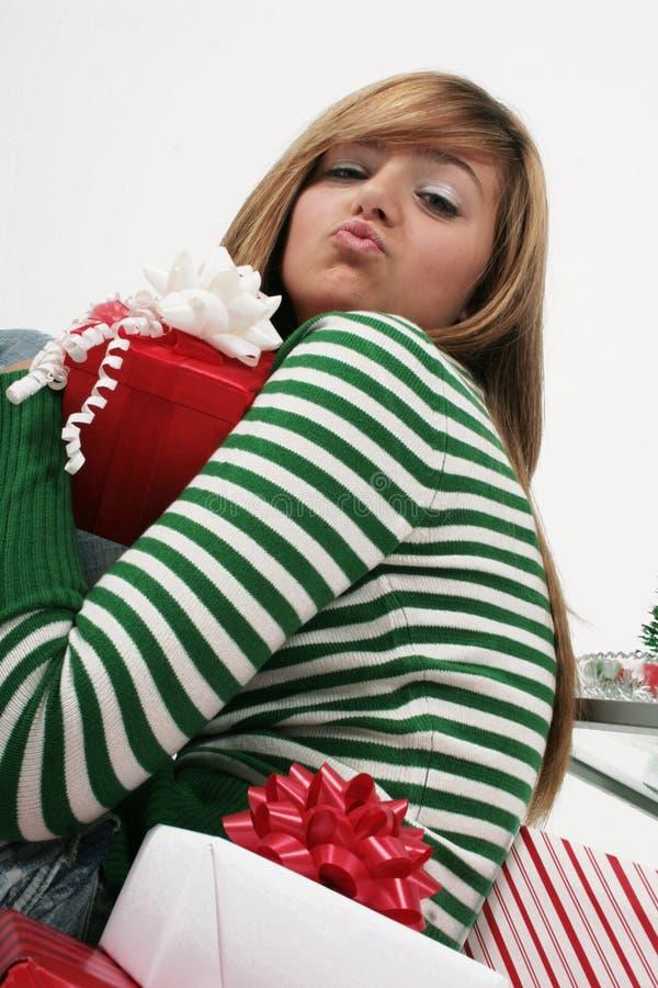 το φυσώντας φιλί κοριτσιώ& στοκ εικόνα με δικαίωμα ελεύθερης χρήσης