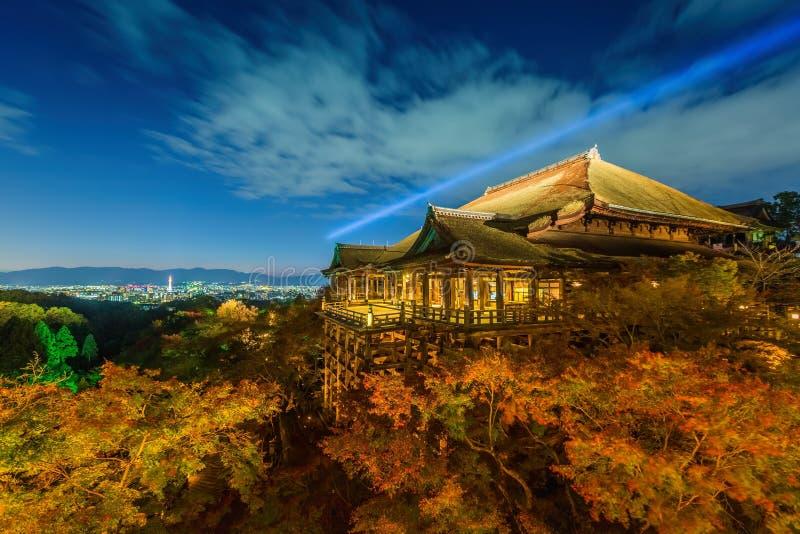 Το φως επάνω στο λέιζερ παρουσιάζει στο ναό dera kiyomizu στοκ φωτογραφία με δικαίωμα ελεύθερης χρήσης