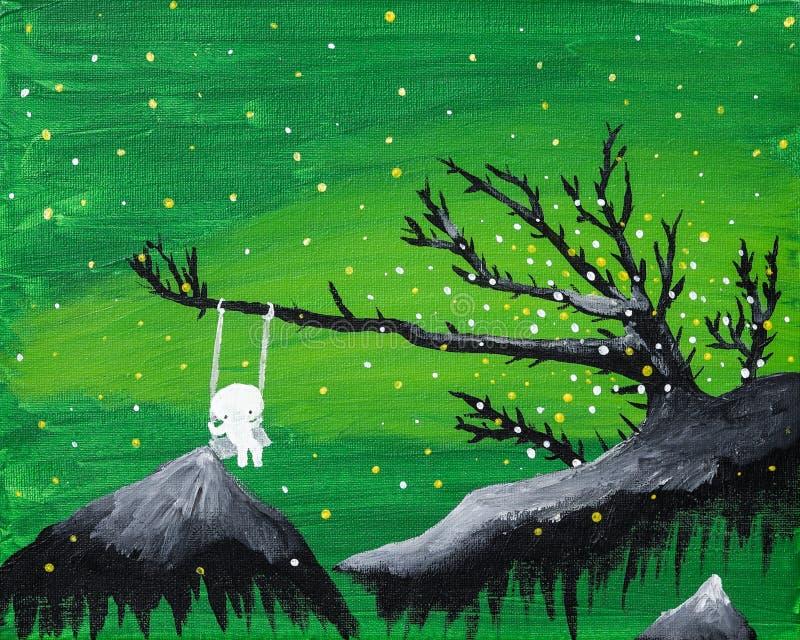 Το χαριτωμένο αγόρι φαντασμάτων κάθεται σε μια ταλάντευση σε ένα πράσινο επιπλέον τοπίο φαντασίας ελεύθερη απεικόνιση δικαιώματος