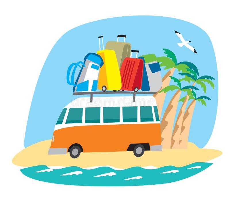 Το χαριτωμένο μικρό λεωφορείο φέρνει μια δέσμη των σακιδίων πλάτης και των τσαντών κατά μήκος της παραλίας απεικόνιση αποθεμάτων