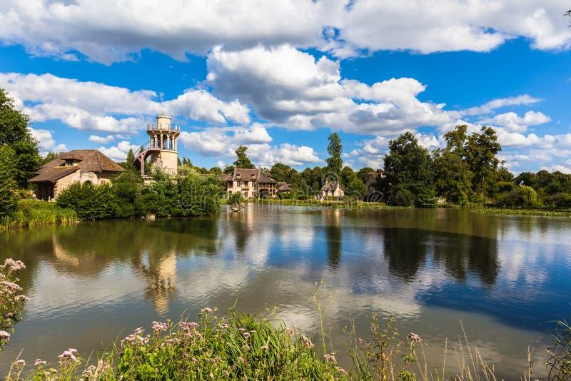 Το χωριουδάκι της βασίλισσας κοντά στο παλάτι των Βερσαλλιών στοκ φωτογραφίες με δικαίωμα ελεύθερης χρήσης