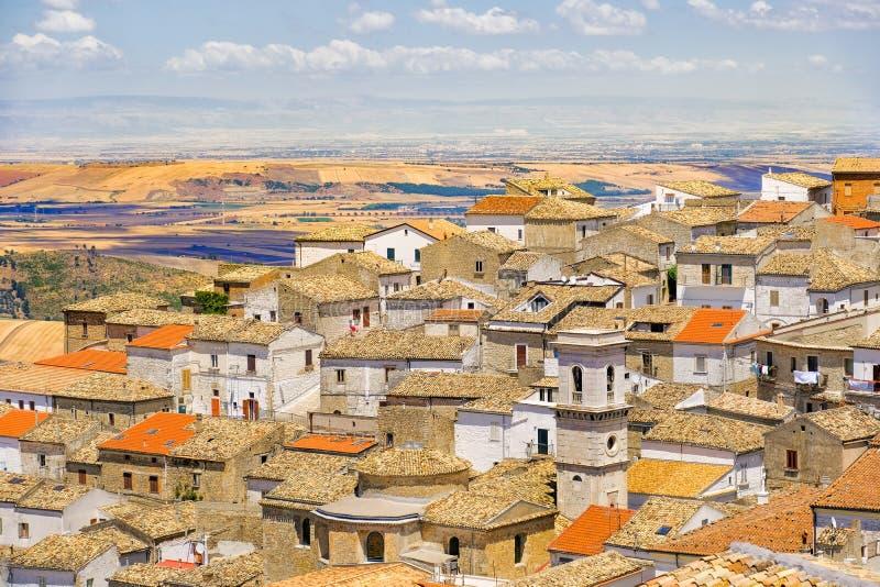 Το χωριό apulia της επαρχίας Bovino - του Foggia - Ιταλία και το Τ στοκ εικόνα