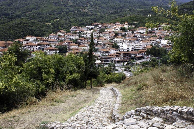 Το χωριό Neos Panteleimonas στους λόφους του βουνού Olympus στοκ φωτογραφίες