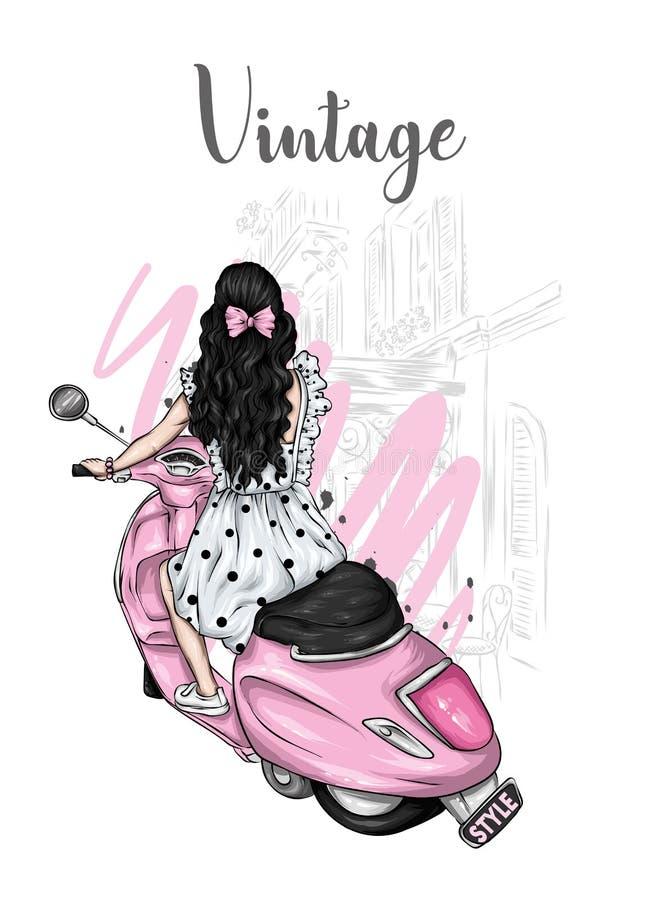 Το όμορφο κορίτσι με μακρυμάλλη σε ένα θερινό φόρεμα κάθεται σε ένα εκλεκτής ποιότητας μοτοποδήλατο Μόδα και ύφος, ενδύματα και ε απεικόνιση αποθεμάτων