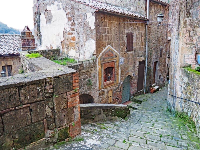 Το όμορφο μεσαιωνικό χωριό Sorano, Ιταλία στοκ φωτογραφίες με δικαίωμα ελεύθερης χρήσης
