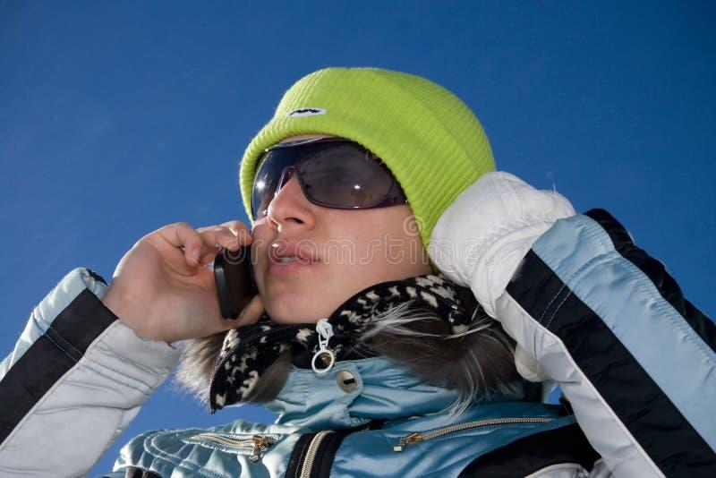 το όμορφο τηλέφωνο κοριτ&sig στοκ φωτογραφία με δικαίωμα ελεύθερης χρήσης