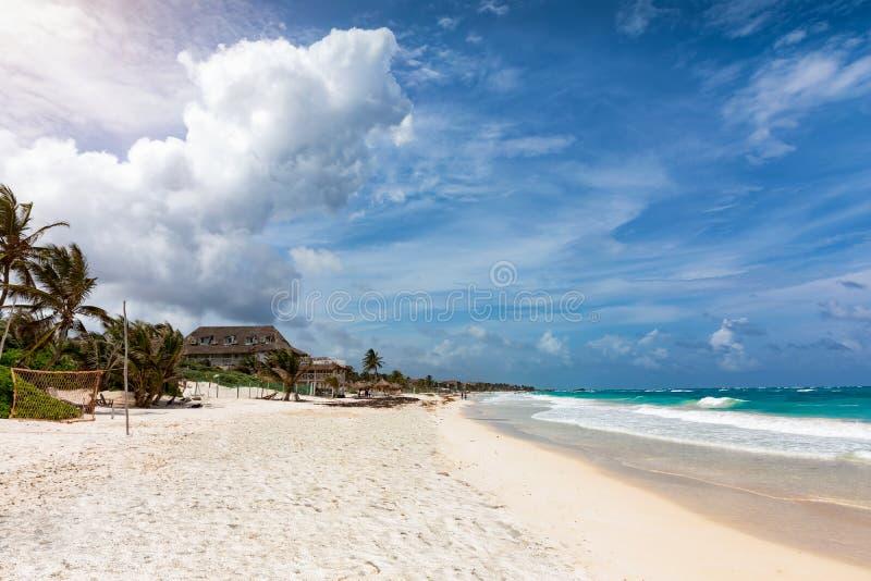 Το όμορφο Riviera Maya με τα τυρκουάζ νερά κοντά σε Tulum στοκ εικόνα με δικαίωμα ελεύθερης χρήσης