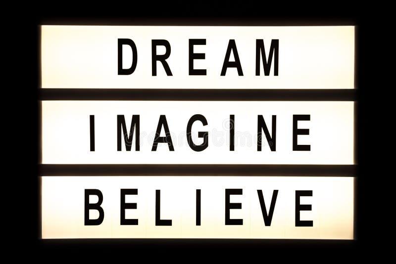 Το όνειρο φαντάζεται θεωρεί το κρεμώντας ελαφρύ κιβώτιο διανυσματική απεικόνιση