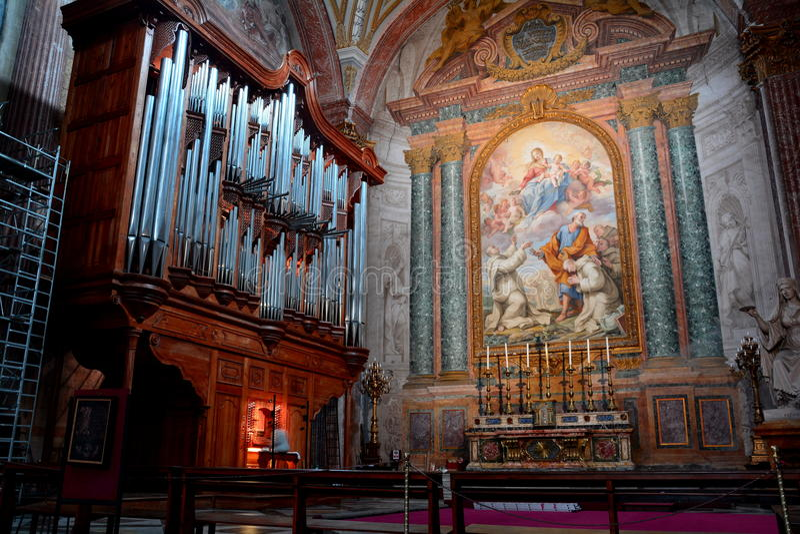 Το όργανο σωλήνων της εκκλησίας του degli Angeli της Σάντα Μαρία στοκ εικόνες