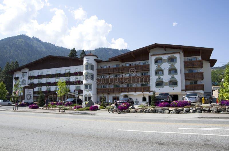 Το Barvarian κατοικεί τη γερμανική πόλη Leavenworth στοκ φωτογραφία