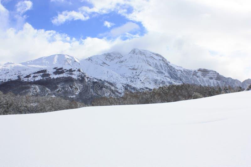 Το BLANCA Peña, εχιόνισε βουνά, Πυρηναία στοκ φωτογραφία με δικαίωμα ελεύθερης χρήσης