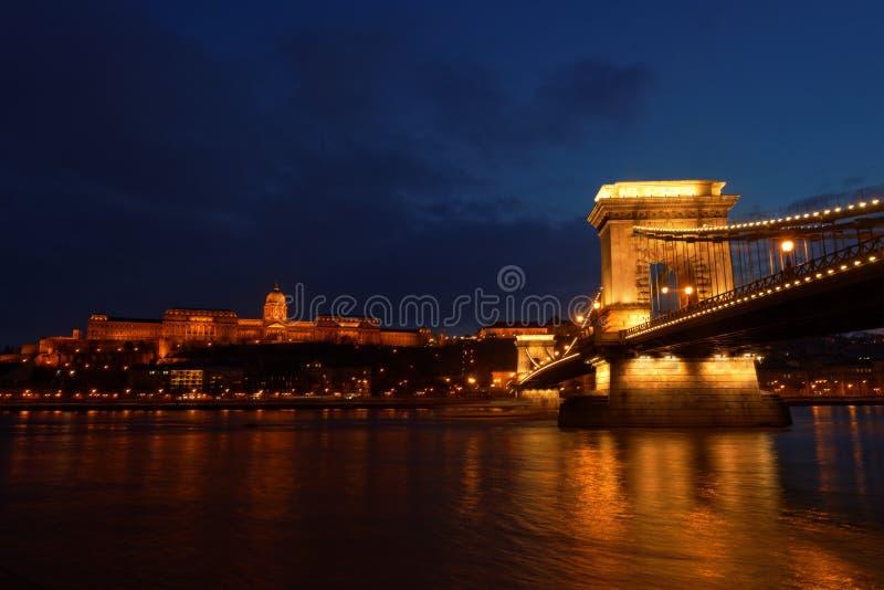 Το Chainbridge στην Ουγγαρία Βουδαπέστη στοκ εικόνες