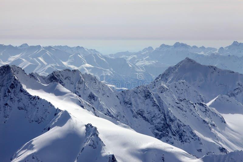 Το Elbrus τοποθετεί στοκ φωτογραφία με δικαίωμα ελεύθερης χρήσης