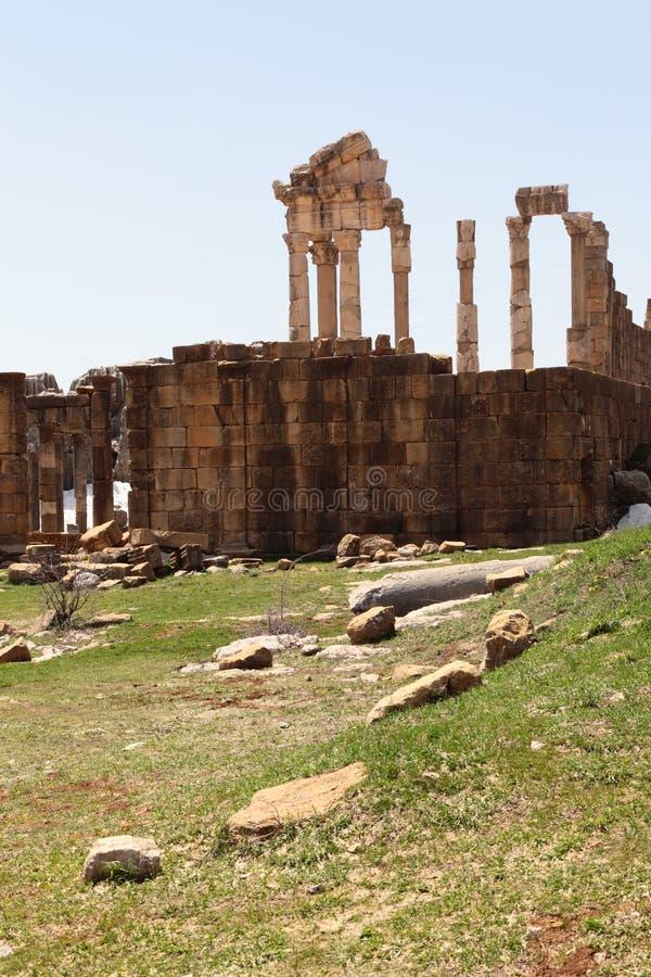 το faqra Λίβανος Ρωμαίος καταστρέφει το ναό στοκ εικόνα με δικαίωμα ελεύθερης χρήσης