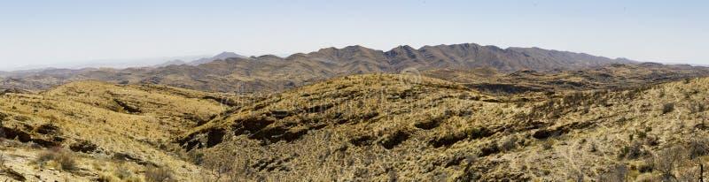 Το Goanikontes είναι τοποθετημένο σε ένα σεληνιακός-όπως τοπίο, στο Namib στοκ εικόνες