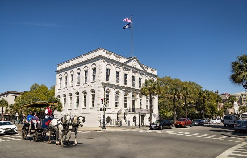 Το governative κτήριο στο Τσάρλεστον, νότια Καρολίνα, καταλαμβάνει μια από τις φημισμένες τέσσερις γωνίες του νόμου στην πόλη στοκ φωτογραφία με δικαίωμα ελεύθερης χρήσης