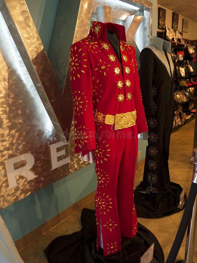 Το Graceland είναι το σπίτι του τραγουδιστή Elvis Presley στο ύφος ενός προπολεμικού μεγάρου και ενός μαγνήτη για τους οπαδούς μο στοκ εικόνες με δικαίωμα ελεύθερης χρήσης