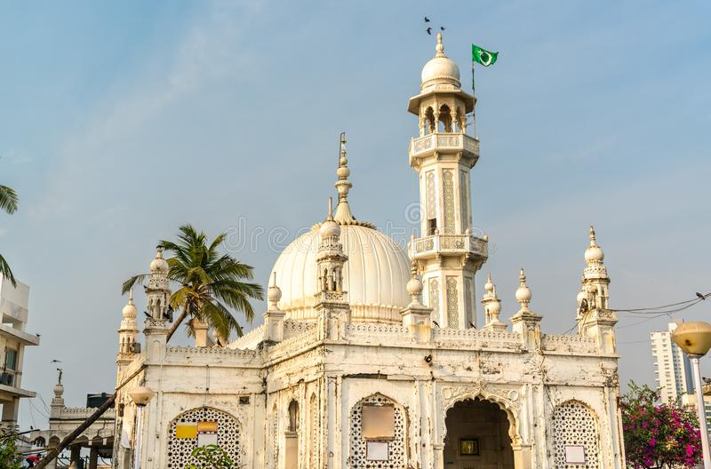 Το Haji Ali Dargah, ένα μαυσωλείο νησιών και μια περιοχή προσκυνήματος σε Mumbai, Ινδία στοκ εικόνα