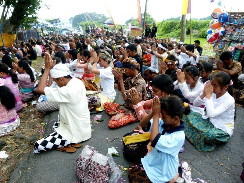 Το Hindus προσεύχεται στοκ εικόνες με δικαίωμα ελεύθερης χρήσης