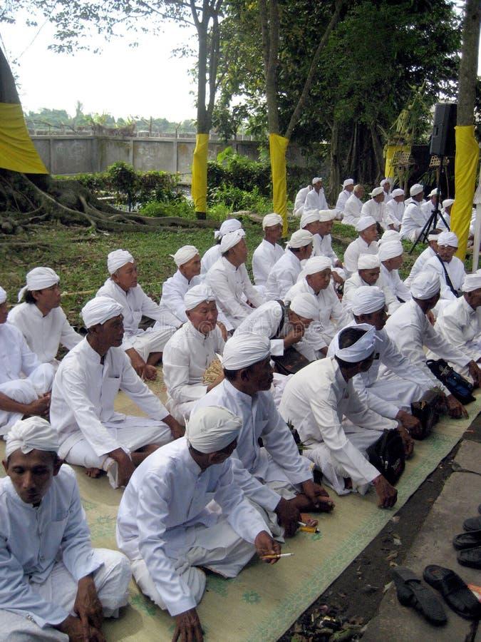 Το Hindus προσεύχεται στοκ εικόνα