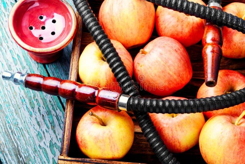 Το Hookah με το μήλο για χαλαρώνει στοκ φωτογραφία με δικαίωμα ελεύθερης χρήσης