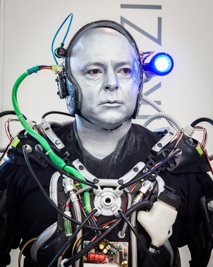 Το Humanoid στο ρομπότ και οι κατασκευαστές παρουσιάζουν στοκ εικόνες