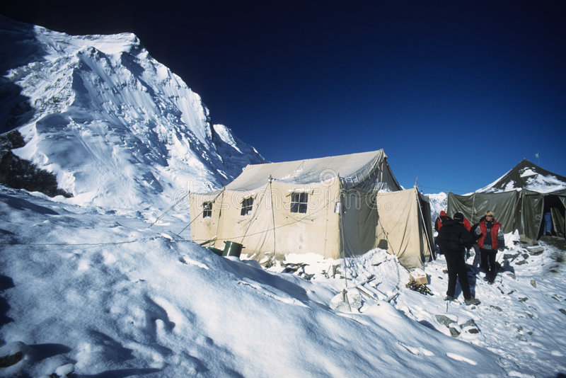 το khan shan tengri στρατόπεδων βάσεων στοκ εικόνες με δικαίωμα ελεύθερης χρήσης