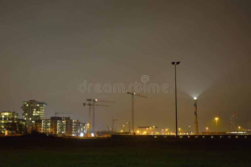 Το Lange Nelle είναι ο φάρος της βελγικής παράκτιας πόλης Οστάνδης city lights night scene στοκ εικόνα με δικαίωμα ελεύθερης χρήσης