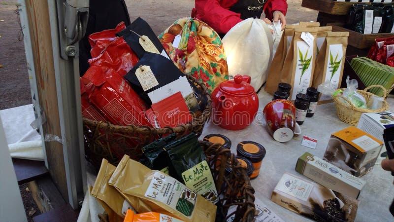 Το Localy παρήγαγε τα πρόχειρα φαγητά σε ένα σουηδικό φεστιβάλ συγκομιδών στοκ εικόνες