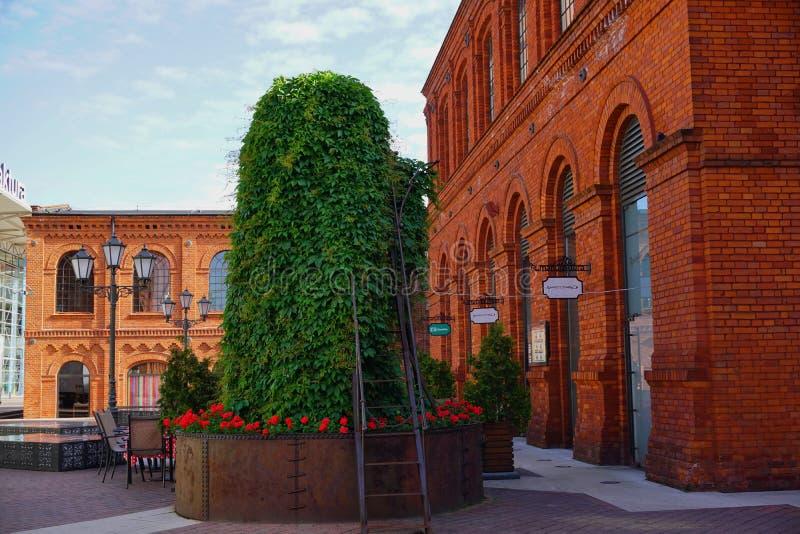 Το Manufaktura, τέχνες στρέφεται, λεωφόρος αγορών, και ελεύθερος χρόνος σύνθετος στο Λοντζ, Πολωνία στοκ εικόνα