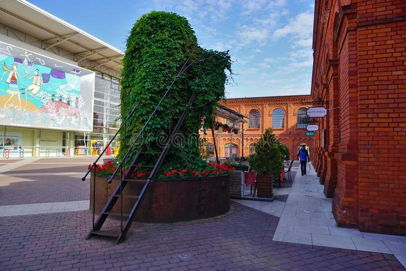 Το Manufaktura, τέχνες στρέφεται, λεωφόρος αγορών, και ελεύθερος χρόνος σύνθετος στο Λοντζ, Πολωνία στοκ εικόνες