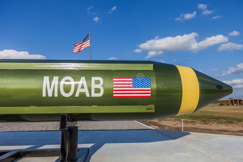 """Το McALESTER, ΟΚΛΑΧΟΜΑ, ΗΝΩΜΕΝΕΣ ΠΟΛΙΤΕΊΕΣ - 13 Οκτωβρίου 2017 - """"mother όλου του bombs† MOAB, κάλεσε επίσης την ογκώδη ριπή στοκ φωτογραφίες"""