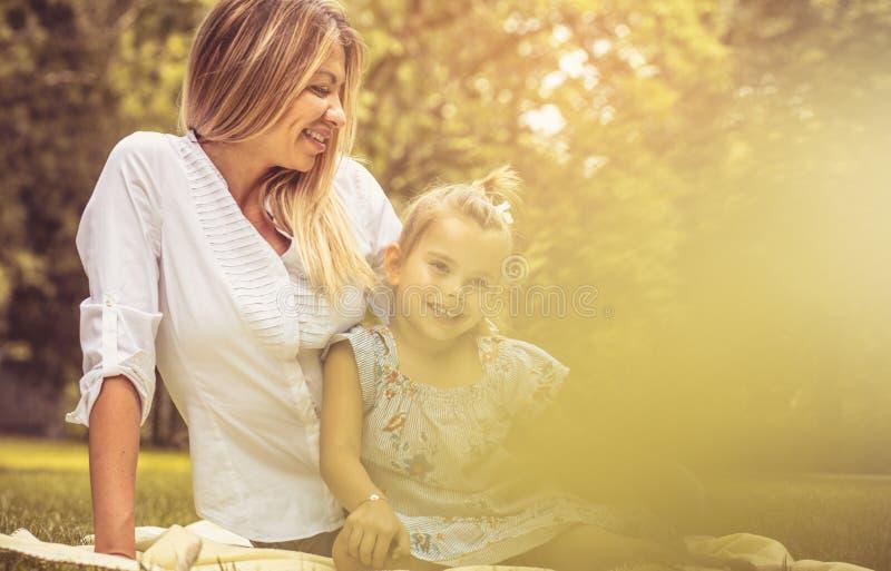 Το Mom θα είναι πάντα εκεί στοκ εικόνες με δικαίωμα ελεύθερης χρήσης