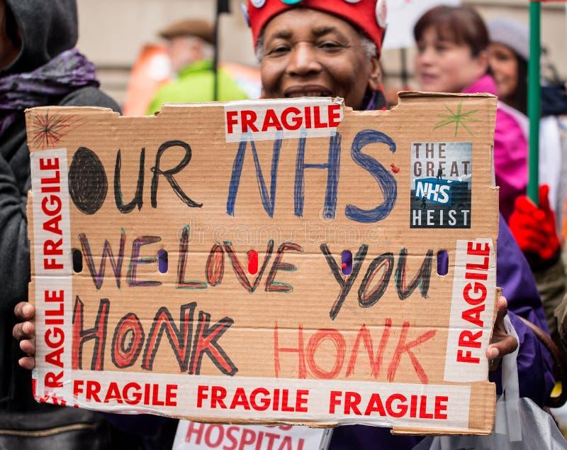 Το NHS στην επίδειξη κρίσης, μέσω του κεντρικού Λονδίνου, στη διαμαρτυρία και της ιδιωτικοποίησης στο NHS στοκ εικόνες