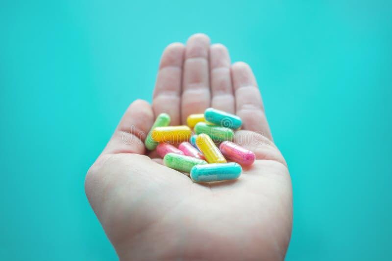 Το Nootropics, έξυπνα φάρμακα, γνωστικοί ανυψωτές, ενώσεις ενισχύει στοκ εικόνα με δικαίωμα ελεύθερης χρήσης