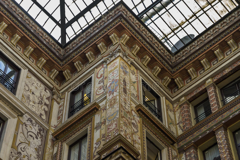 Το Ornately χρωμάτισε και διακόσμησε τις προσόψεις του Galleria Sciarra στοκ φωτογραφία με δικαίωμα ελεύθερης χρήσης