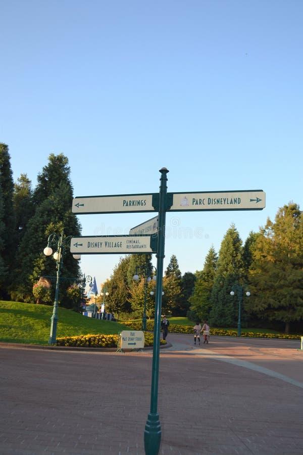 Το Parc Disneyland καθοδηγεί στοκ φωτογραφίες