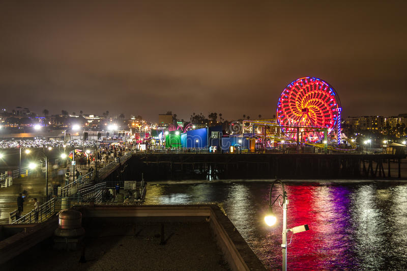 Το Santa Monica Pier τη νύχτα, Λος Άντζελες στοκ φωτογραφίες με δικαίωμα ελεύθερης χρήσης