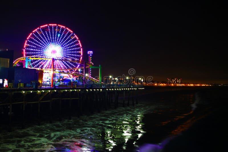 Το Santa Monica Pier τη νύχτα στοκ φωτογραφίες