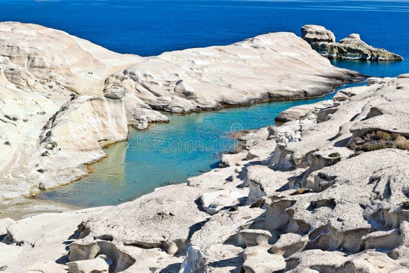 Το Sarakiniko στη Μήλο, Ελλάδα στοκ εικόνες