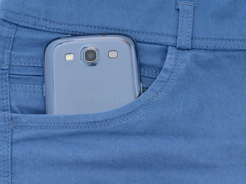 Το smartphone είναι στην τσέπη των τζιν μου στοκ εικόνες με δικαίωμα ελεύθερης χρήσης