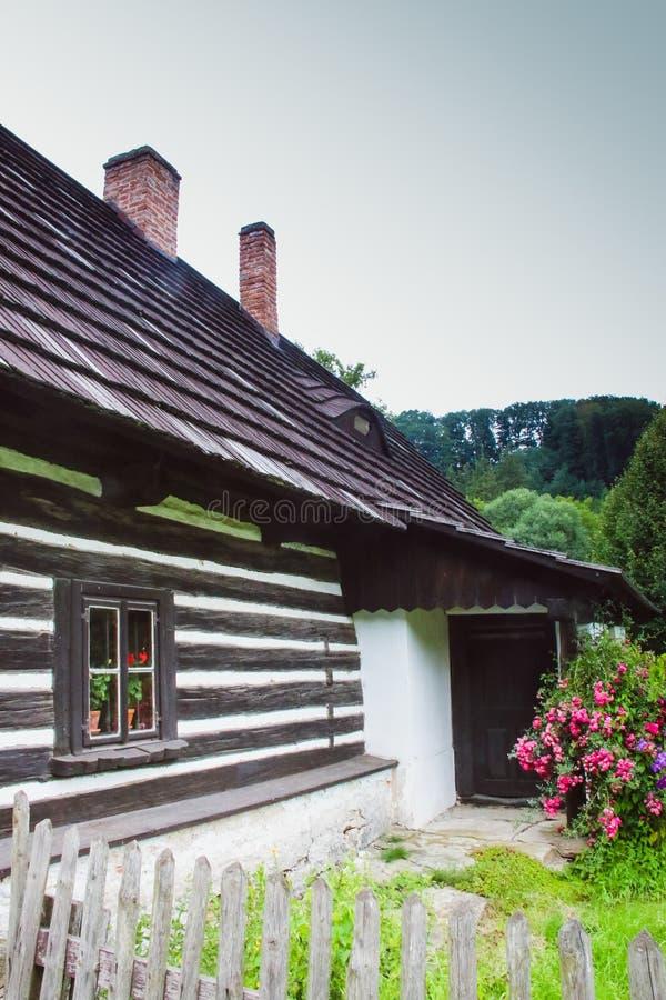 το udoli babbichino στη Δημοκρατία της Τσεχίας είναι ένα παραμύθι που είναι γνωστό από το βιβλίο Babicka στοκ φωτογραφίες