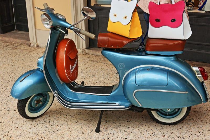 Το Vespa Piaggio, μια διάσημη μοτοσικλέτα της Ιταλίας στοκ εικόνες