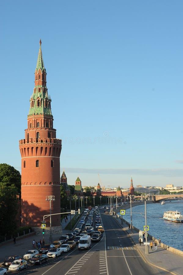 Το Vodovzvodnaya ή ο πύργος Sviblova της Μόσχας Κρεμλίνο, βρίσκεται στη γωνία του αναχώματος του Κρεμλίνου και του κήπου του Αλεξ στοκ εικόνα