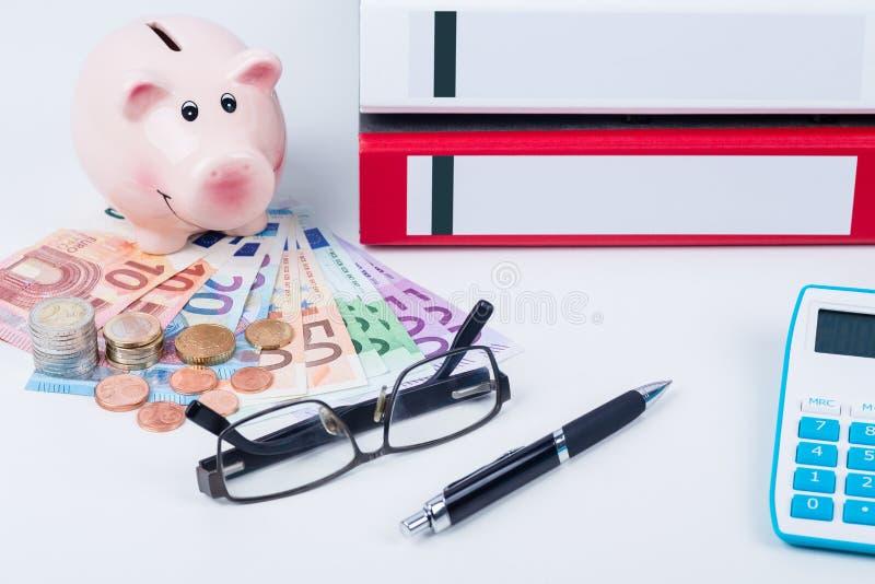Τράπεζα και πόροι χρηματοδότησης στοκ εικόνες