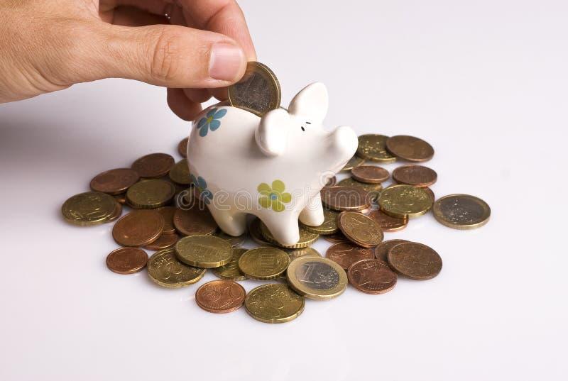 Download Τράπεζα Piggy στοκ εικόνες. εικόνα από finances, εισόδημα - 13182156
