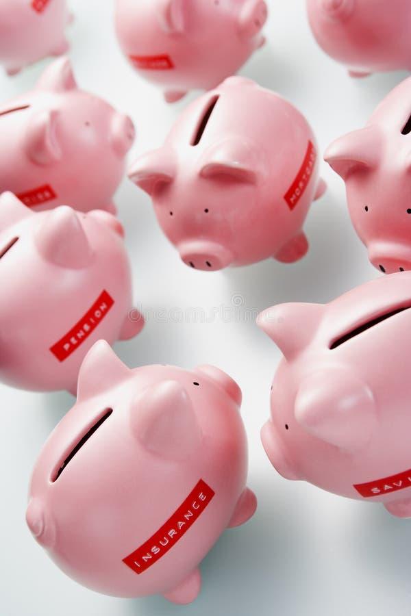 τράπεζες συσσώρευσης piggy στοκ εικόνα με δικαίωμα ελεύθερης χρήσης