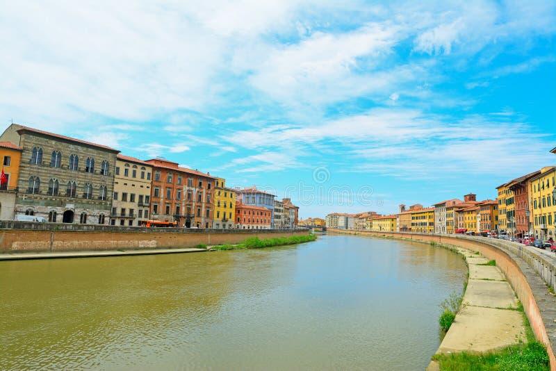 Τράπεζες Arno που βλέπουν από την Πίζα riverfront στοκ εικόνες με δικαίωμα ελεύθερης χρήσης